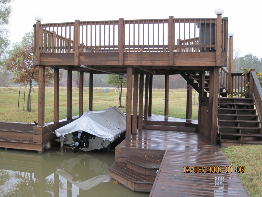 Boat houses sun decks and slip covers waterfront build for Sundecks designs